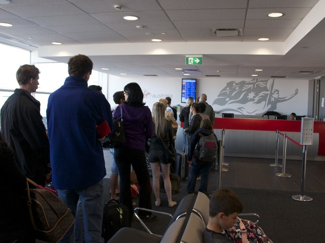 Check-in -- International transfer desk, with long queue