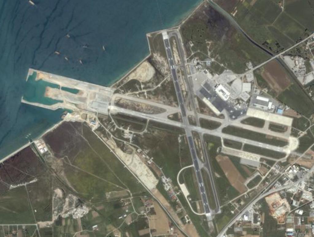 Наращивать длину ВПП для приема более крупных ВС в Салониках можно только за счет моря.