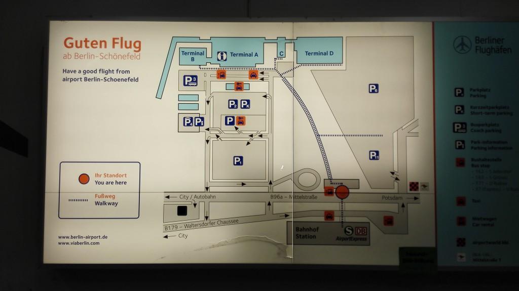 Шенефельд. Схема расположения терминалов и остановок общественного транспорта