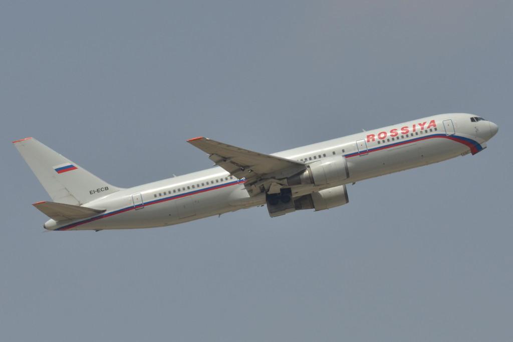 Boeing_767-300_Rossiya_(SDM)_EI-ECB_-_MSN_27617_722_(9595179044)