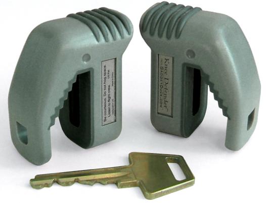 1409055342000-Knee-Defender