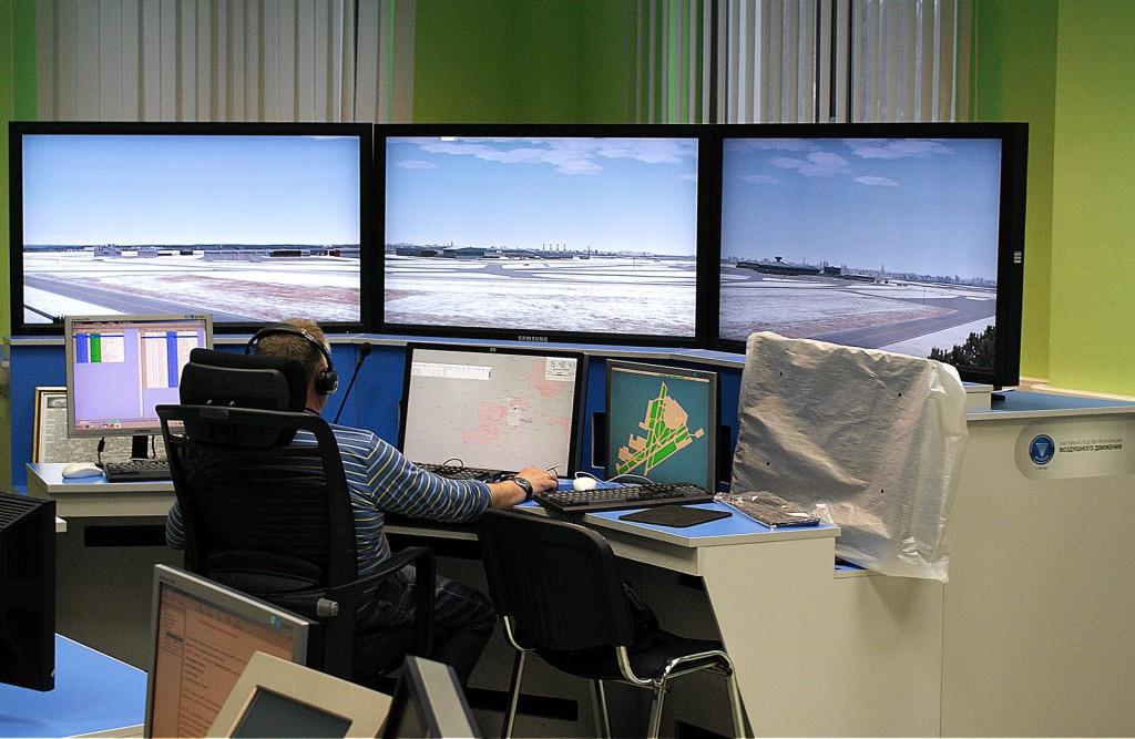 У аэродромных диспетчеров - свой тренажер.