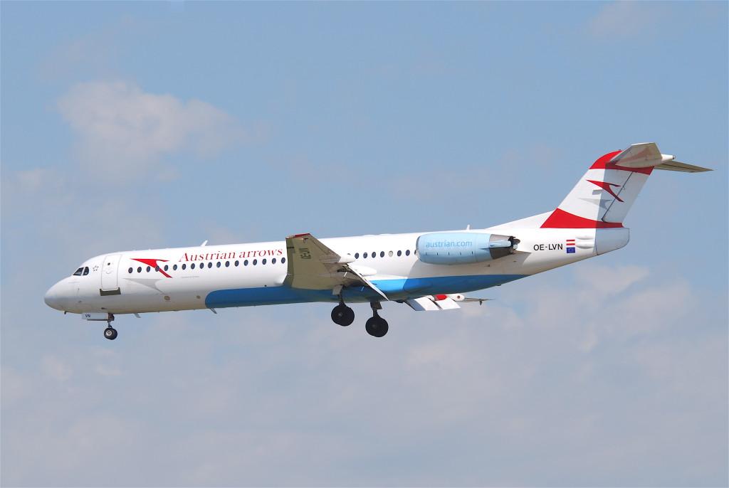 Austrian_Airlines_Fokker_100;_OE-LVN@FRA;06.07.2011_603go_(5914625575)