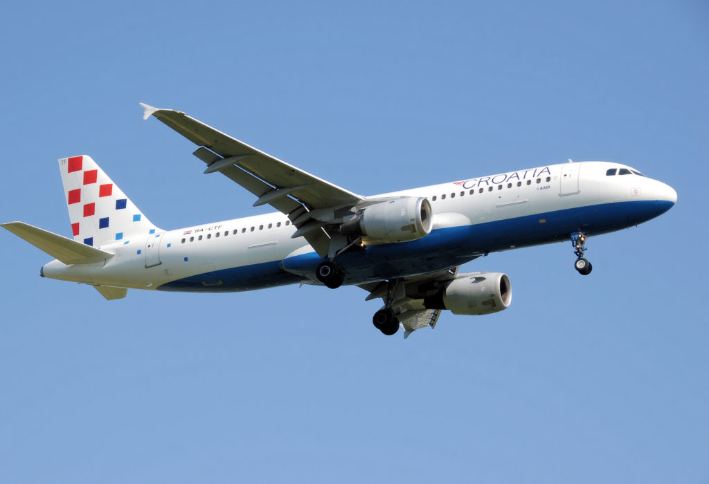 Croatia_airlines_a320-200_9a-ctf_landing_arp