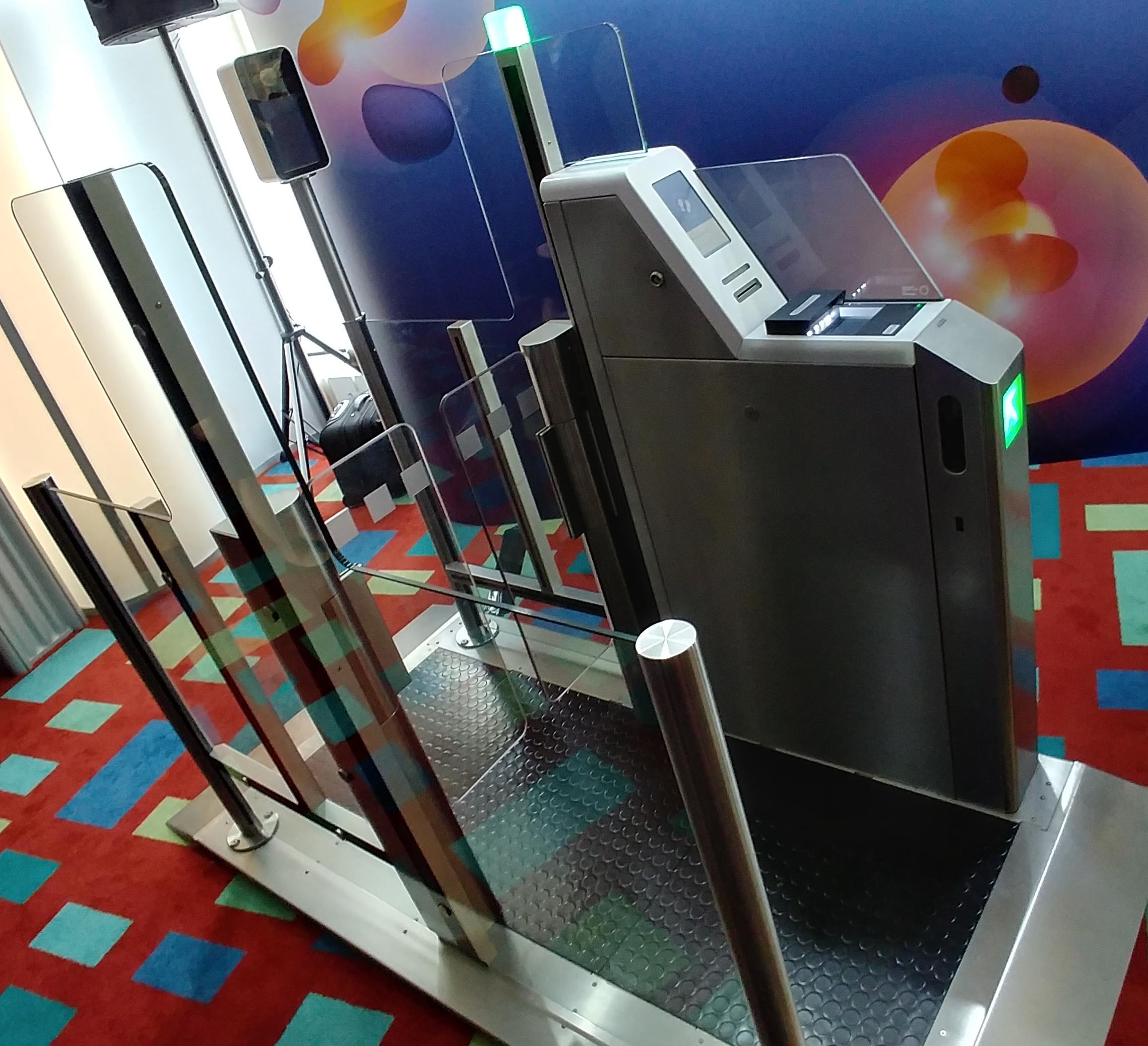 Распознавать лица пассажиров начнут саэропорта Домодедово