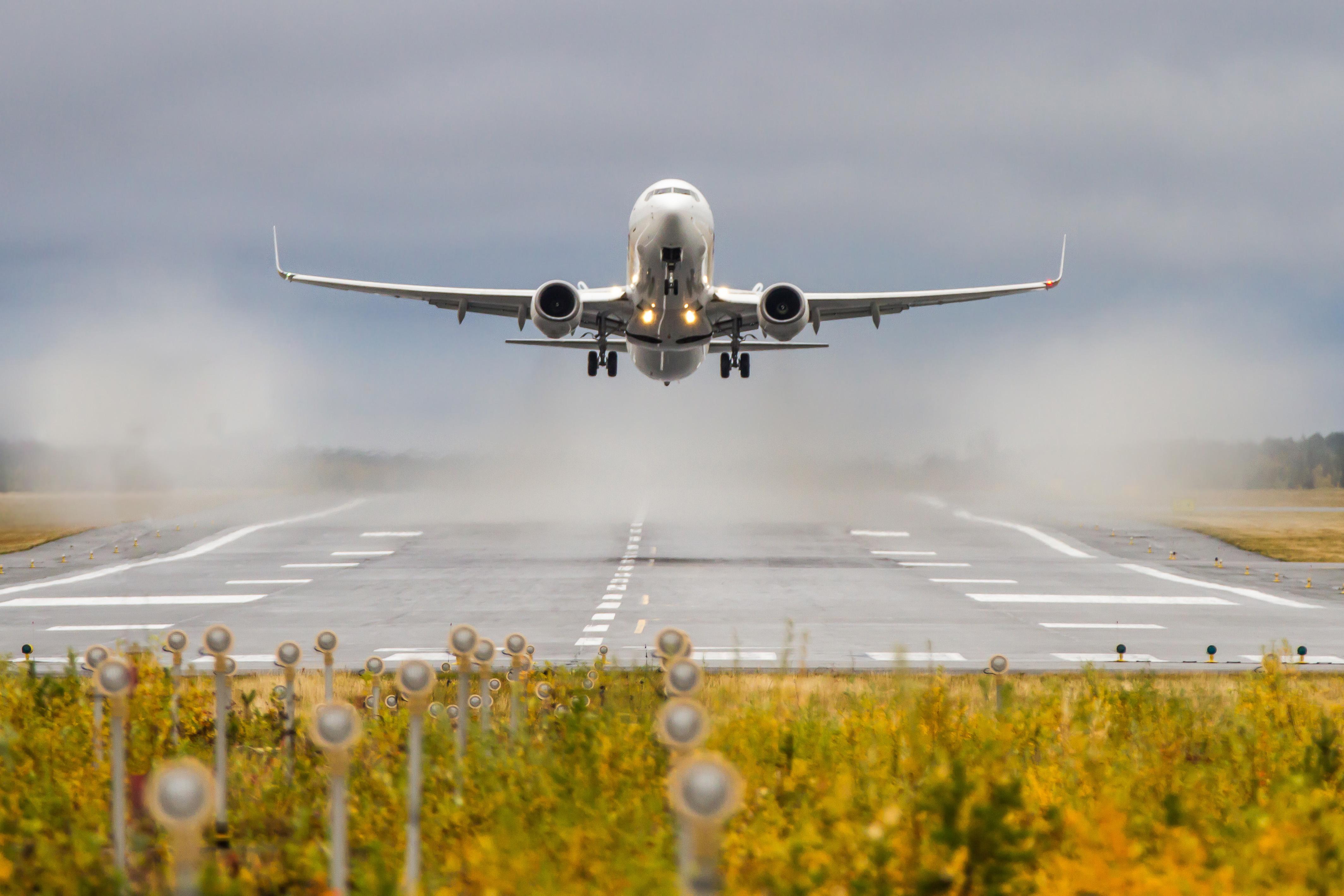 """e8185e9204fc1 Самой пунктуальной авиакомпанией в России в 2018 году стала Utair,  задержавшая всего 0,82% всех рейсов. На втором месте – авиакомпания  """"Россия"""" с 0,99% ..."""